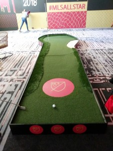 Deluxe Putting Green